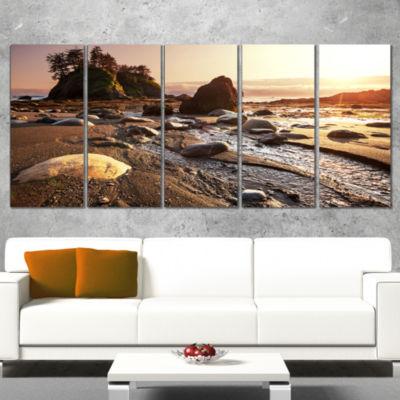 Designart Olympic National Park Coast Large Seashore CanvasPrint - 4 Panels