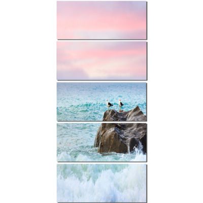 Designart Pair of Seagulls on Large Rock SeascapeCanvas ArtPrint - 5 Panels