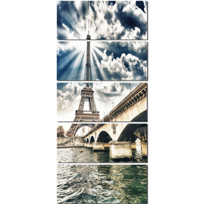 Designart Paris Eiffel Towerand Iena Bridge Cityscape PhotoCanvas Art Print - 5 Panels