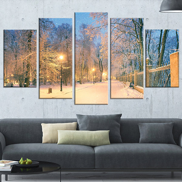 Designart Path in Mariinsky Garden Landscape PhotoCanvas Art Print - 4 Panels