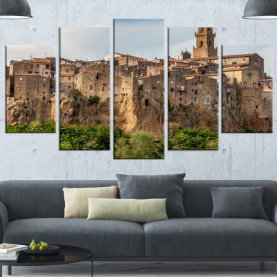 Designart Pitigliano City on The Cliff in Italy Large Landscape Canvas Art - 5 Panels