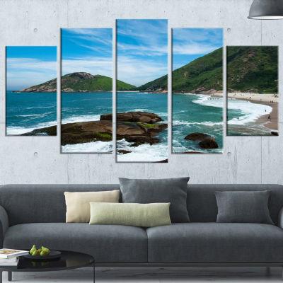 Designart Praia Do Meio Beach Large Seashore Photography Canvas Art Print - 5 Panels