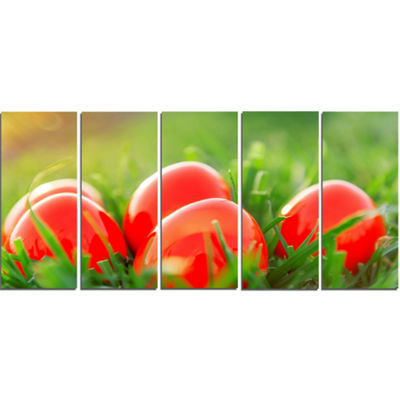 Designart Red Easter Eggs in Green Grass LandscapePhotography Canvas Print - 5 Panels