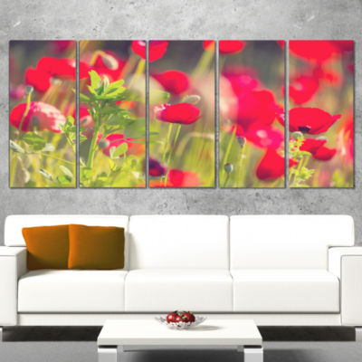 Designart Red Poppies on Green Background Large Flower Canvas Art Print - 5 Panels
