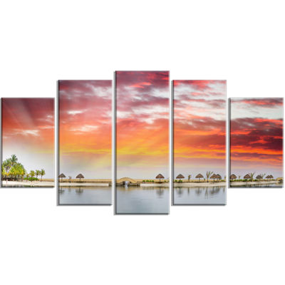 Designart Roatan Beach Sunset Panorama Seashore Photo CanvasArt Print - 5 Panels