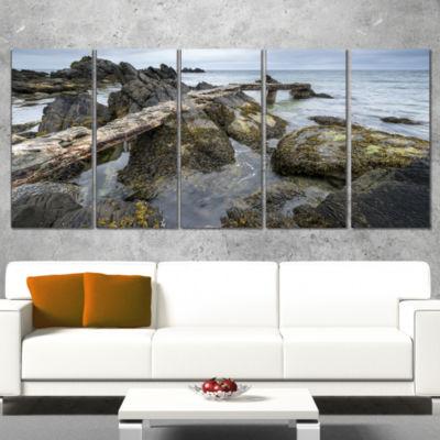 Designart Rocky North Ireland Seashore Modern Seascape Wrapped Canvas Artwork - 5 Panels