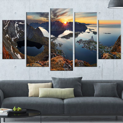 Designart Rocky Sea Mountains Seascape PhotographyCanvas Art Print - 5 Panels