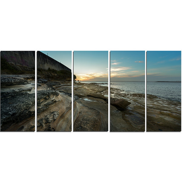 Designart Rocky Sydney Beach View Seascape CanvasArt Print- 5 Panels