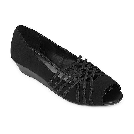 east 5th Womens Grace Slip-On Shoe