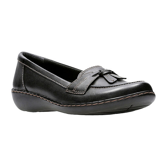Clarks Womens Ashland Bubble Closed Toe Slip-On Shoe