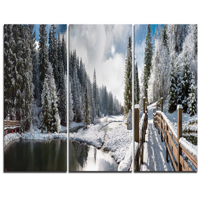 Designart Winter Morning Panorama Landscape Photography Canvas Print - 3 Panels