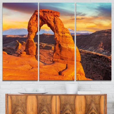 Designart Delicate Arch In Arches Park Landscape Photo Canvas Art Print - 3 Panels