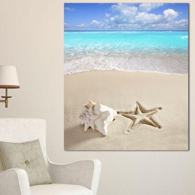 Designart Caribbean Beach Starfish Beach Photography Canvas Art Print
