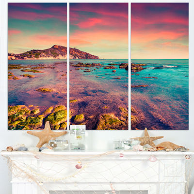 Designart Giallonardo Beach Colorful Sunset Seashore Photo Canvas Print - 3 Panels
