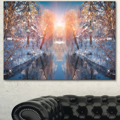 Designart Beautiful Winter In City Park LandscapeCanvas Art Print