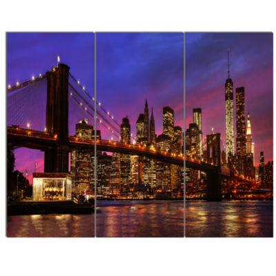 Designart Brooklyn Bridge And Manhattan At SunsetPink Canvas Art Print - 3 Panels