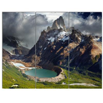 Designart Mount Fitz Roy Patagonia Argentina Landscape Canvas Art Print - 3 Panels