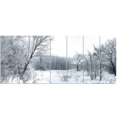 Designart Beautiful Winter Panorama Landscape Canvas Art Print - 7 Panels