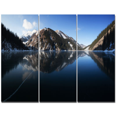 Designart Frozen Mountain Lake Pano Landscape Canvas Art Print - 3 Panels
