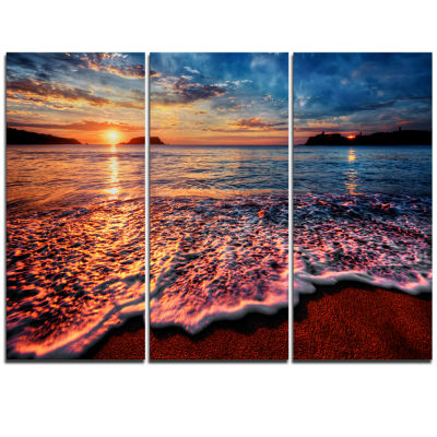 Designart Peaceful Evening Beach View Seascape Canvas Art Print - 3 Panels
