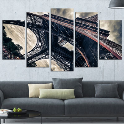 Designart Paris Eiffel Tower in Grungy Dramatic Style Cityscape Canvas Print - 5 Panels