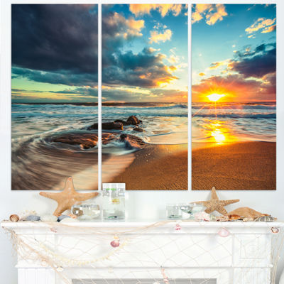 Designart Beautiful Cloudscape Over The Sea ModernBeach Canvas Art Print - 3 Panels
