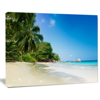 Designart Beautiful Praslin Island Seychelles Seascape Art Canvas Print