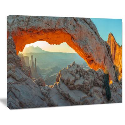 Designart Mesa Arch Canyon Lands Utah Park Landscape Canvas Art Print