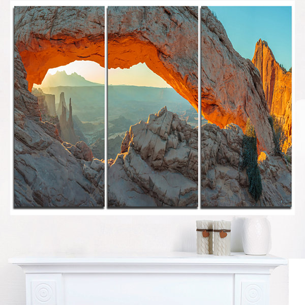 Design Art Mesa Arch Canyon Lands Utah Park Landscape Canvas Art Print - 3 Panels