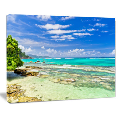 Designart Tranquil Seychelles Tropical Beach Modern Seascape Canvas Artwork