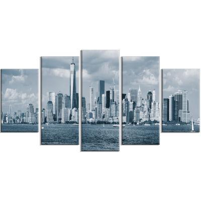 Designart Lower Manhattan Panorama Black White Cityscape Canvas Art Print - 5 Panels