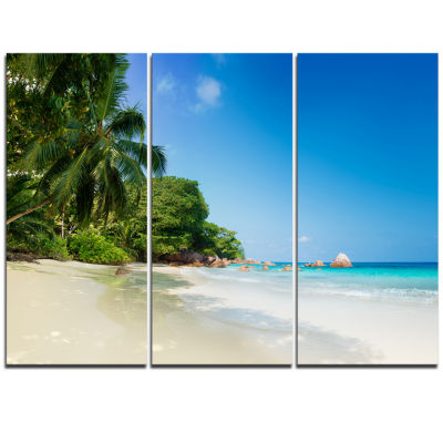 Designart Beautiful Praslin Island Seychelles Seascape Art Canvas Print - 3 Panels