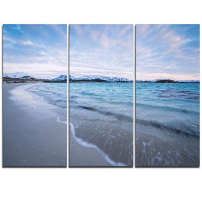 Designart Waves Splashing The Calm Seashore ModernCanvas Artwork - 3 Panels