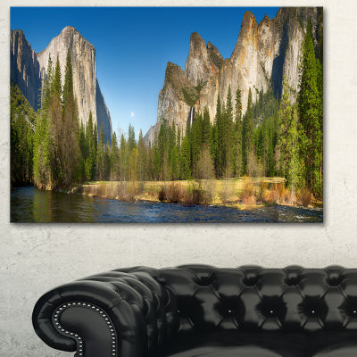 Designart Yosemite Valley Panorama Landscape Art Print Canvas