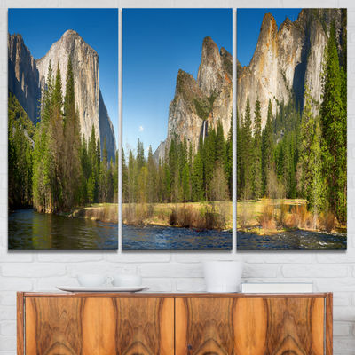 Designart Yosemite Valley Panorama Landscape ArtPrint Canvas - 3 Panels