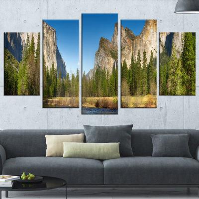 Designart Yosemite Valley Panorama Landscape Art Print Canvas - 5 Panels