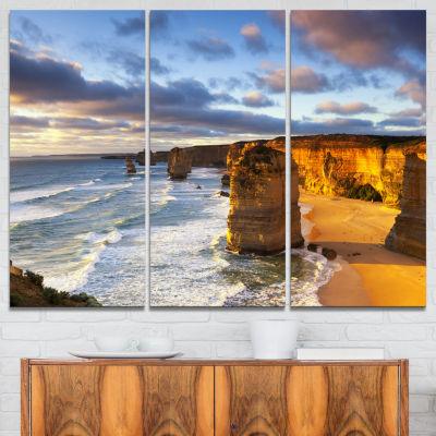 Designart Twelve Apostles Australia Seascape Canvas Art Print - 3 Panels