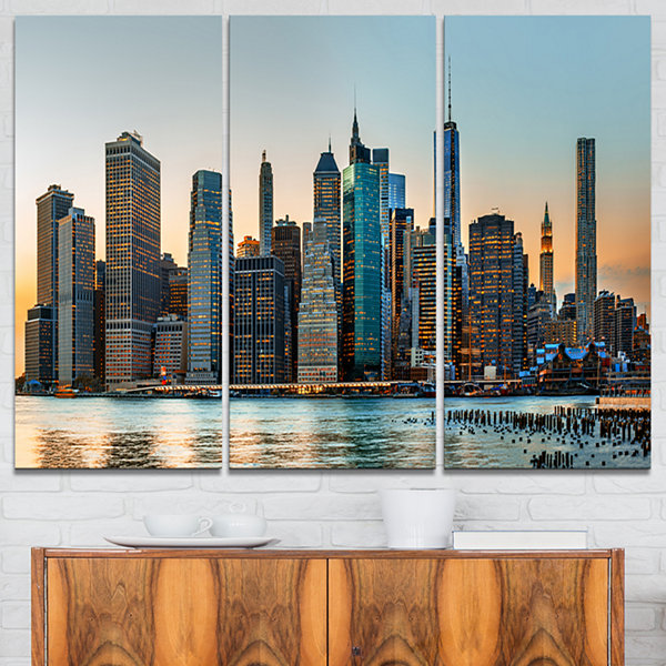 Designart New York City Skyline Photography CanvasArt Print - 3 Panels