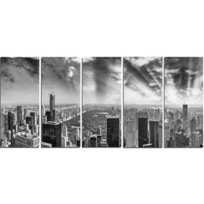 Designart Central Park And Surrounding BuildingsCityscape Photo Canvas Print - 5 Panels