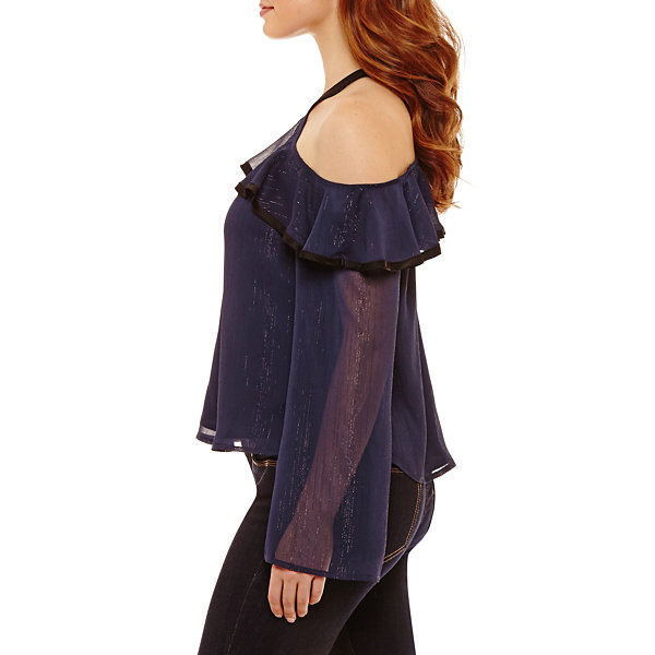 Bold Elements Bell Sleeve Jacquard Y-Neck Top