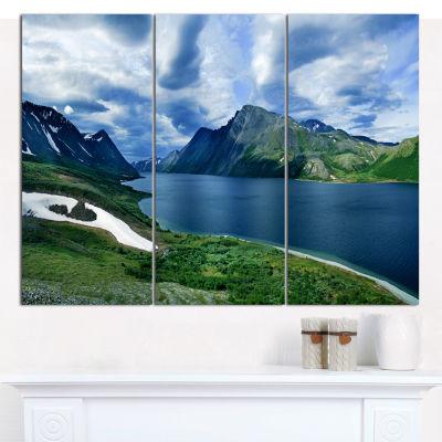 Designart Polar Ural Mountains Panorama LandscapeCanvas Art Print - 3 Panels