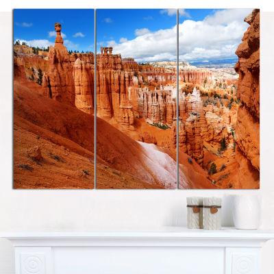 Designart Sandstone Hoodoos In Bryce Canyon Landscape Canvas Art Print - 3 Panels