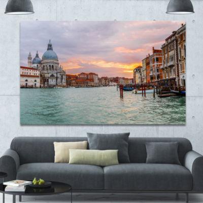 Designart Santa Maria Della Salute Cityscape Canvas Art Print