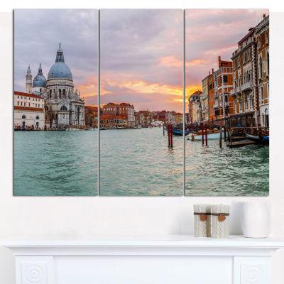 Designart Santa Maria Della Salute Cityscape Canvas Art Print - 3 Panels