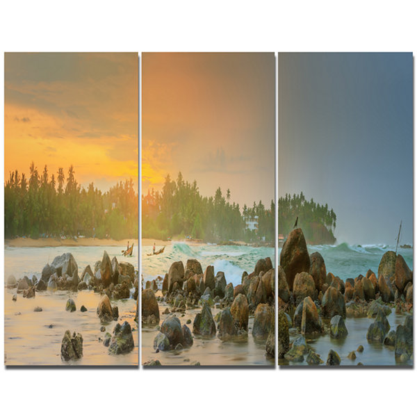 Designart Untouched Tropical Beach Panorama Landscape Canvas Art Print - 3 Panels