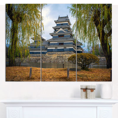 Designart Matsumoto Castle Japan Landscape CanvasWall Art - 3 Panels