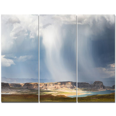 Designart Lake Powell Under Clouds Landscape Canvas Wall Art - 3 Panels