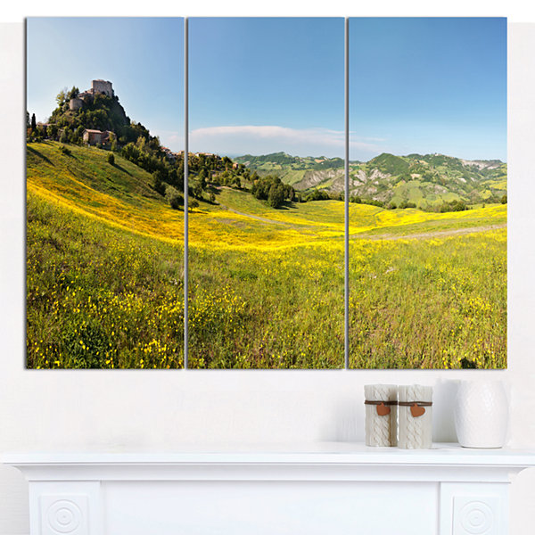 Designart Italian Castle Of Rossena Landscape Canvas Wall Art - 3 Panels