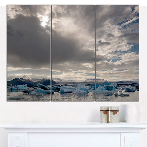 Designart Ice Of Jokulsarlon Lagoon Landscape Canvas Wall Art - 3 Panels