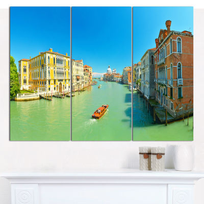 Designart Green Grand Canal Venice Landscape Canvas Wall Art - 3 Panels